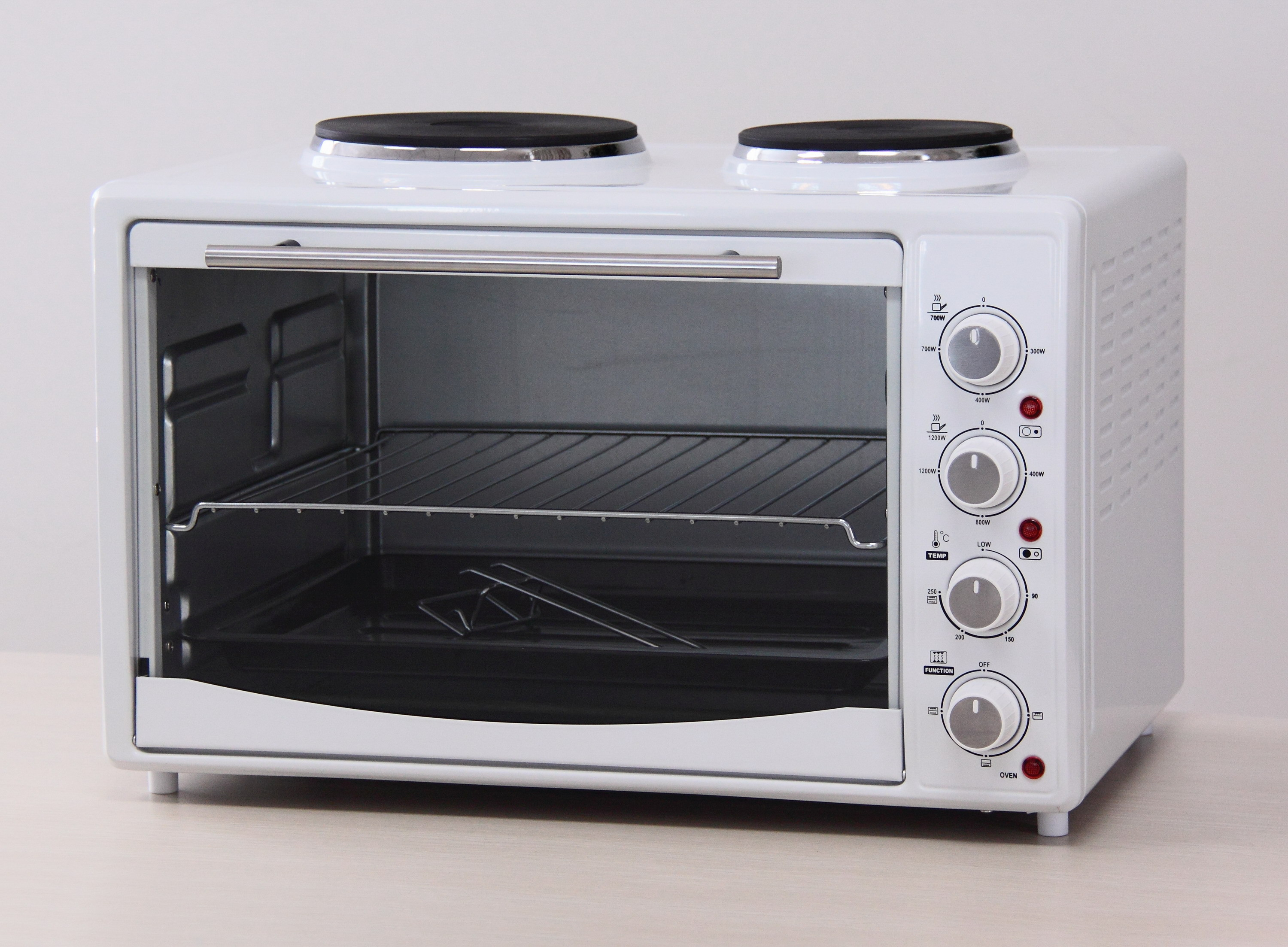 Electric Oven with Hotplates